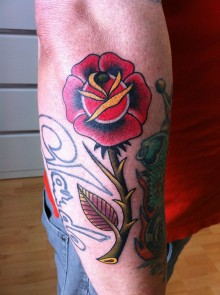 Tattoo traditional rose roos