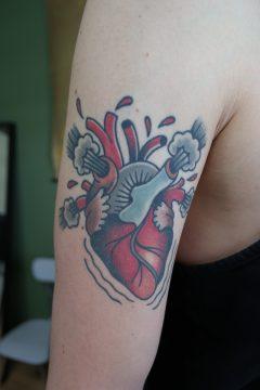 Tattoo hart old school