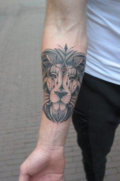 Tattoo leeuw